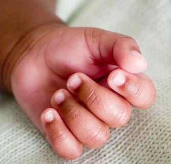 宝宝小心脏受不了图片_如果是淡红色,妈妈就不要着急了,这可能是贫血导致的,可给宝宝增加如