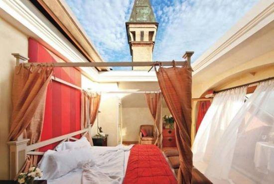 组图:世界上最奇特的11个酒店套房