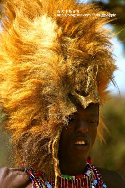 组图:走进非洲最独特民族马赛人教你钻木取火