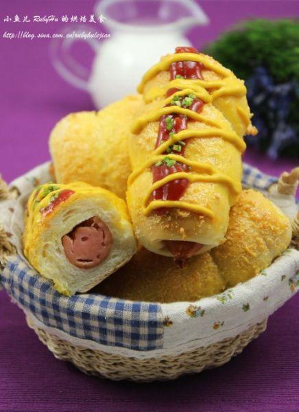烘焙新手不能错过的经典面包 美味椰丝热狗卷