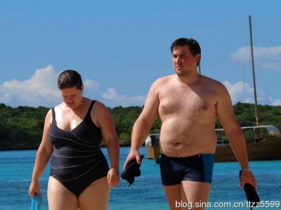 毛里求斯:实拍冬季海滩上火辣的美女