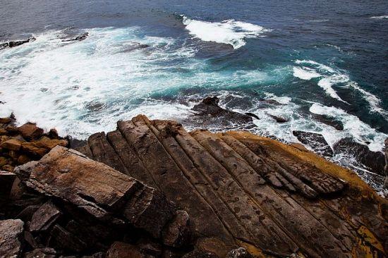 澳大利亚的天体浴场; 海滩为裸泳者敞开;