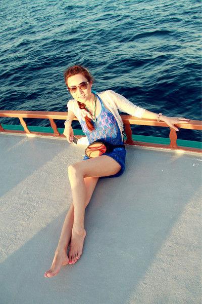 比基尼美女马尔代夫游 竖