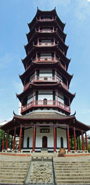 第一站:绳金塔   绳金塔坐落在南昌市