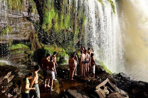 雨林探险亚马逊河流域的女人亚马逊河的裸体人图片