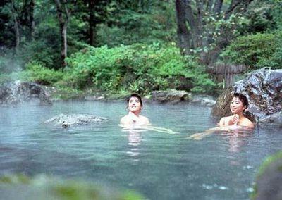 无遮无羞盘点全球男女混浴风俗最浓的地方