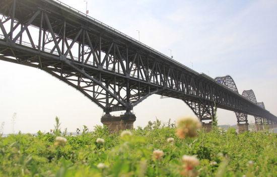 九江长江大桥出现裂缝