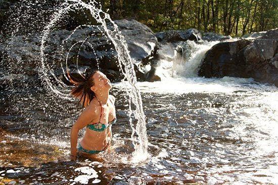 盘点英国六大野外游泳地裸泳的最佳去处