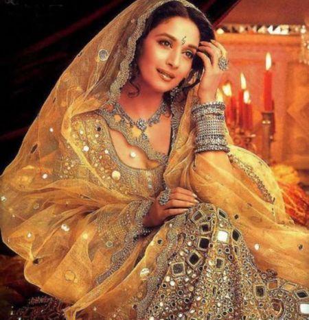 出卖青春和肉体揭印度古老圣女习俗