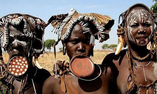丑化自己土著部落疯狂的身体改造