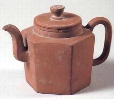 扬州博物馆藏两款紫砂壶赏析