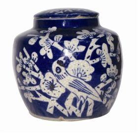 鉴赏知识:清代蓝白釉瓷罐