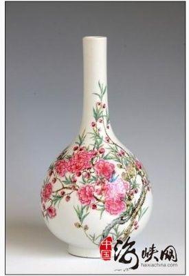 粉彩瓷:粉彩碧桃图胆瓶鉴赏(图)