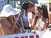 全球美女裸体示威