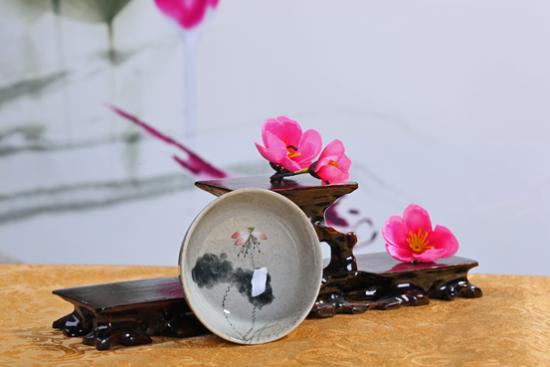 文艺范儿十足的陶瓷茶碗