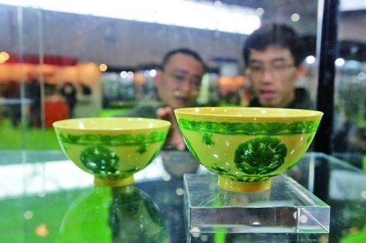 瓷器鉴赏:康熙年间珍贵瓷器亮相