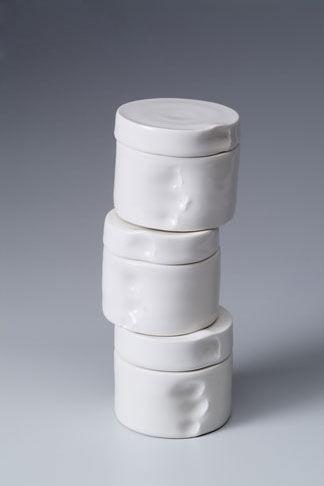 国外陶瓷欣赏:扭曲的陶瓷艺术品
