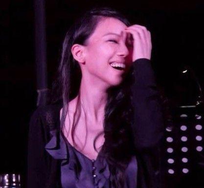 王力宏携妻贺吴建豪 网友称其娇妻笑起来很美