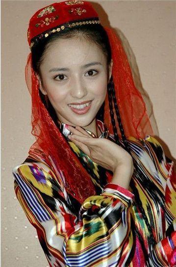 新疆籍明星集体发声:暴徒无法代表维吾尔