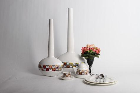 白色小清新简约陶瓷花瓶