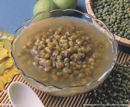 夏日酷暑难耐来碗清热解毒绿豆汤
