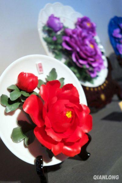 花团锦簇最美白瓷雕塑鉴赏
