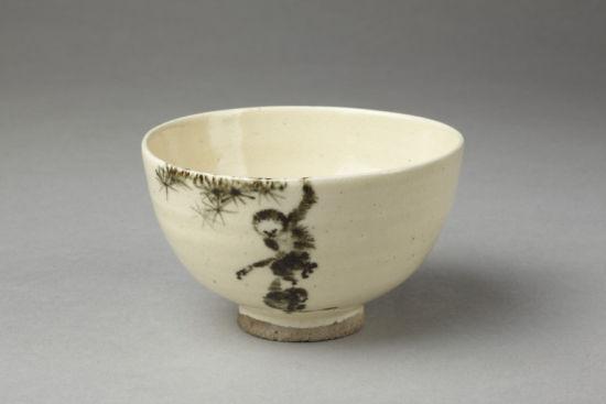 唐朝时期有花纹的杯子