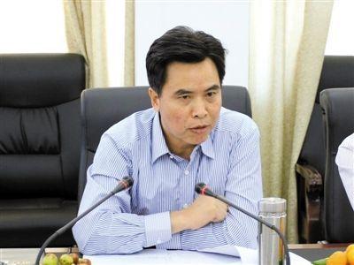 原萍乡市副市长孙家群。