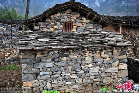 西陵峡畔百年石屋历史记录