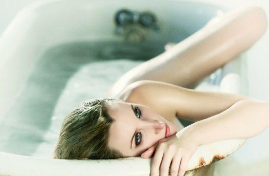 2016个性浴缸女生头像