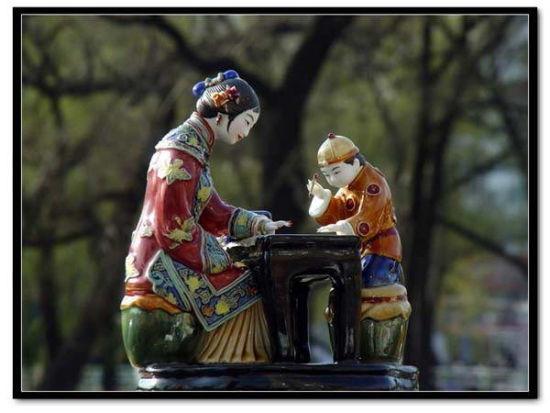 瓷器鉴赏让人百看不厌的民俗陶瓷