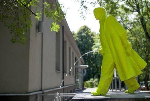 恶搞名人雕塑:他们知道会很生气
