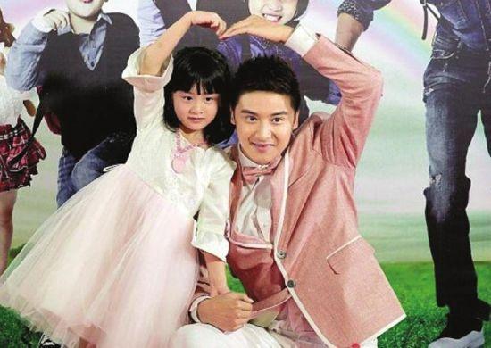 """森碟和父亲田亮参与湖南卫视《爸爸去哪儿》备受瞩目,被网友评为"""""""