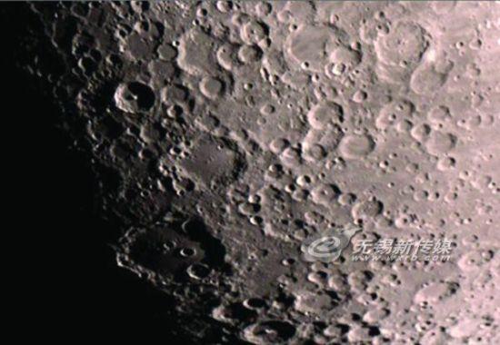 民间达人自制天文望远镜 记者前往体验赏月_新