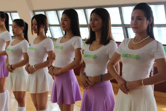 满族美女也来参加韩式校花大赛喽