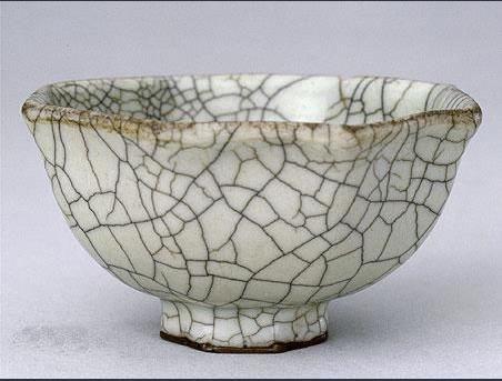宋代哥窑瓷器:金丝铁线