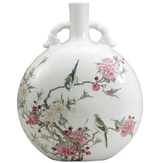 抱月瓶的艺术:形似满月,质地光滑