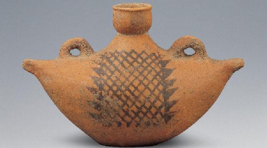 那些课本儿里脸熟的文物——船形彩陶壶