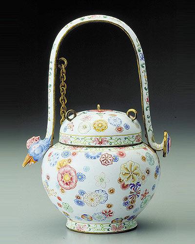 雍乾珐琅彩瓷器:绝版的宫廷艺术品