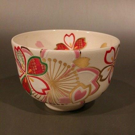 开在碗上的花:宁静雅致的日式抹茶碗