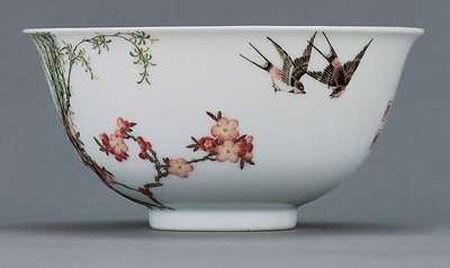 御制珐琅彩杏林春燕图碗-珐琅工艺中的收藏趣味