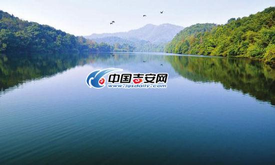 万安山东边风景图