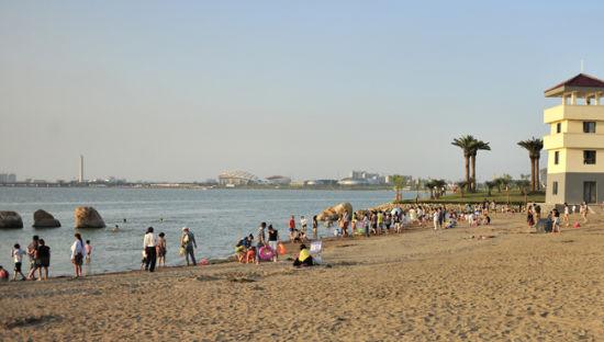 八里湖海韵沙滩浴场