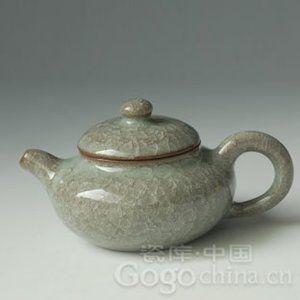 哥窑瓷器赏析——官窑冰裂纹小茶壶