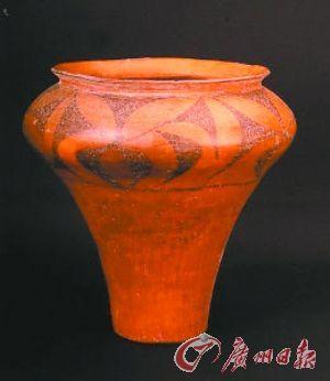 仰韶细泥彩陶罐:纹饰动感有韵律