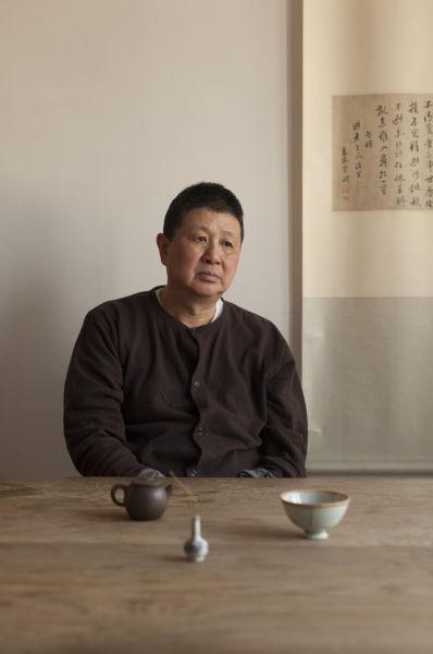 艺术家郑在东上世纪 80 年代起就开始收藏古瓷器了