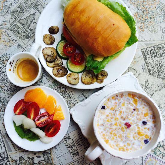 晨光之下的首选 享受一顿浪漫的美式早餐