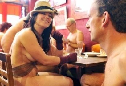 全球裸体饭局