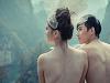 情侣景区裸拍婚纱
